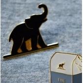 Merchandise ( breloc, pin, cadouri, etc )